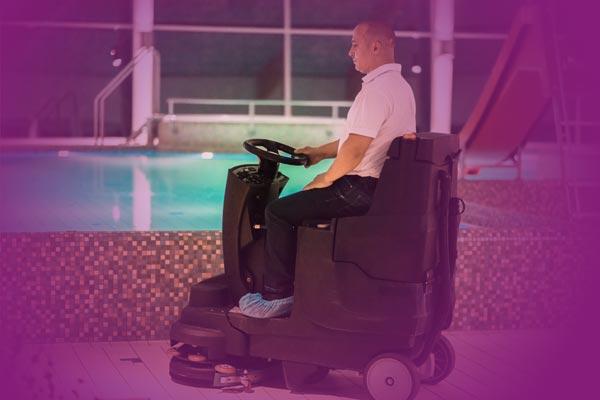 Wellnessanlagen- und Schwimmbadreinigung